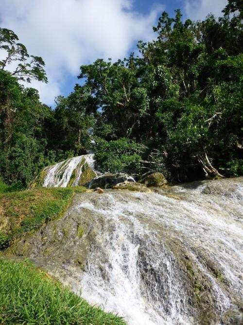 バヌアツ ロロリマの滝