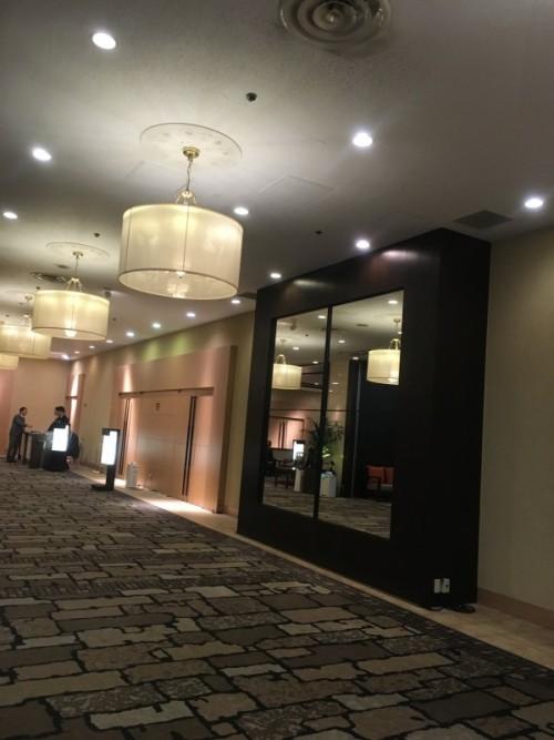 祝賀会が行われた新・都ホテル