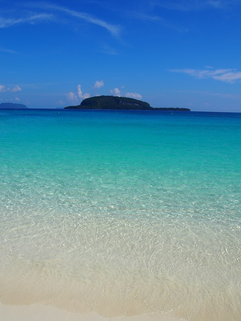 サント島シャンペンビーチ