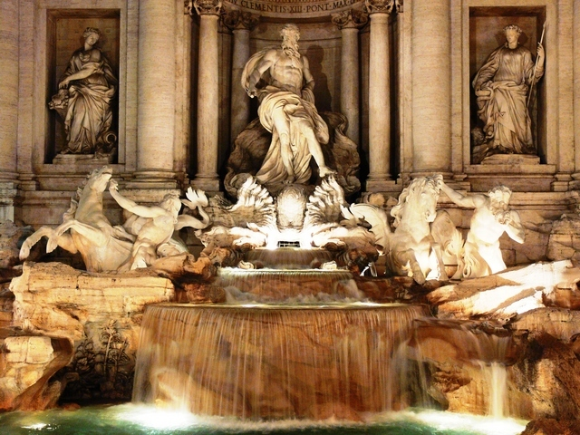 夜のイタリア_トレヴィの泉
