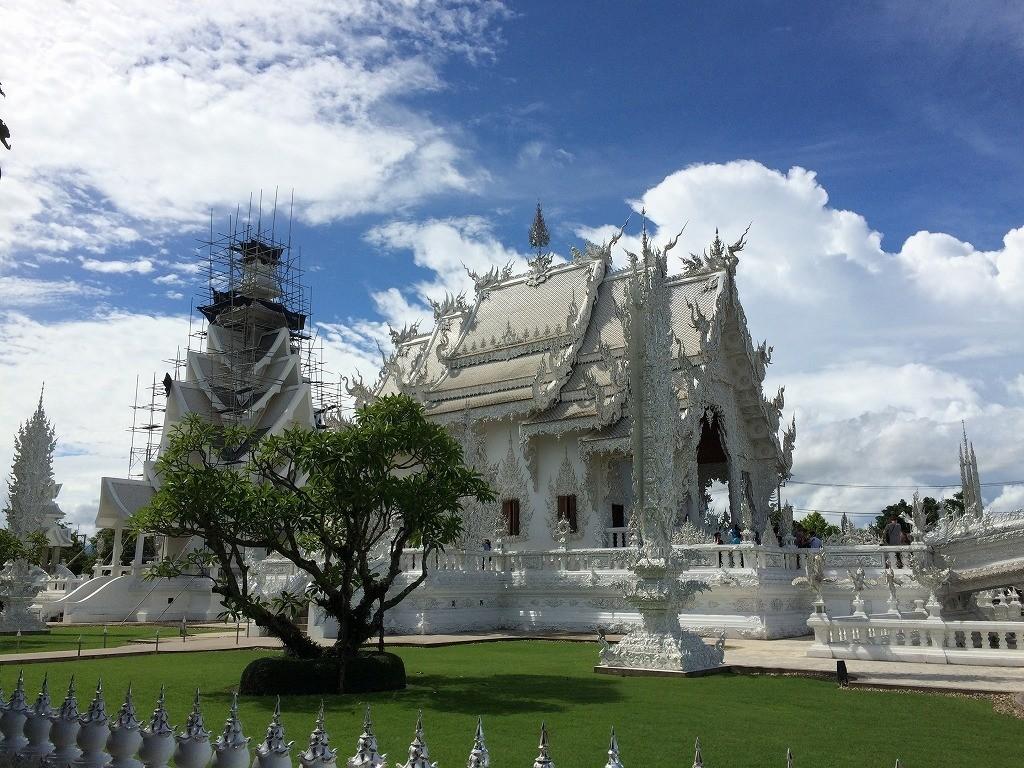 チェンライ 白い寺院(ワット・ロンクン)