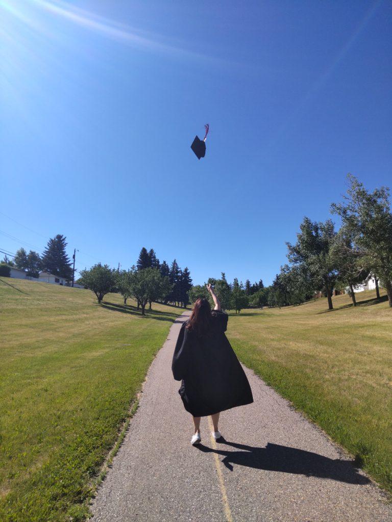 カナダの高校留学、卒業は難しいの?必要な科目や試験、英語力などを解説